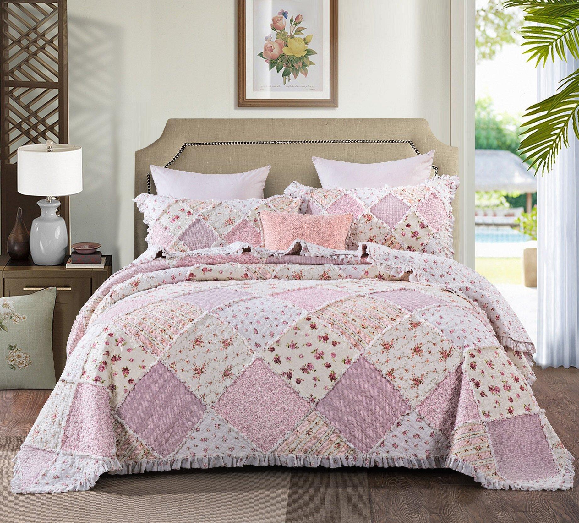 . August Grove Calista Strawberry Shortcake Cotton Reversible Quilt Set