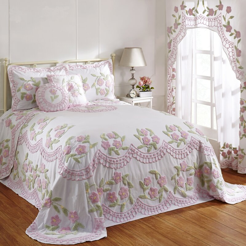 August Grove Alburtis Handcrafted Chenille Bedspread