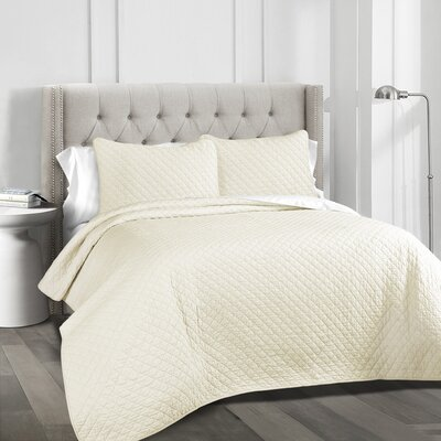The Twillery Co. Shuler 3 Piece Quilt Set Color: Ivory, Size: King