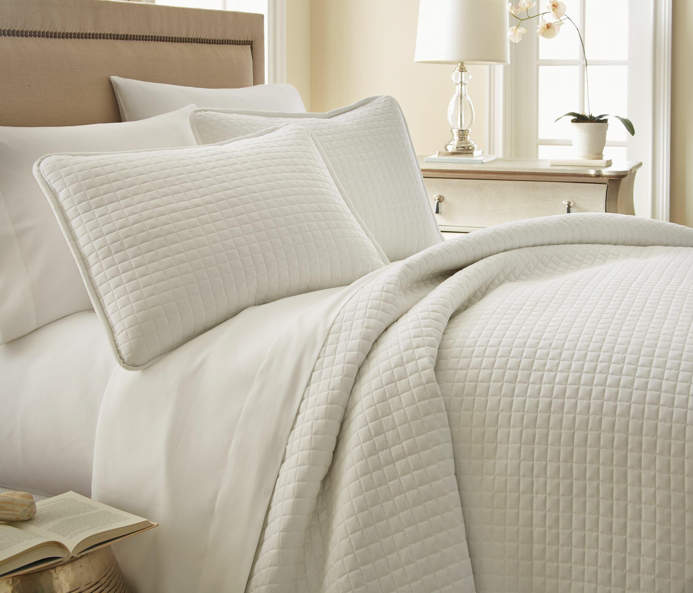 Captivating Quilt U0026 Coverlet Sets