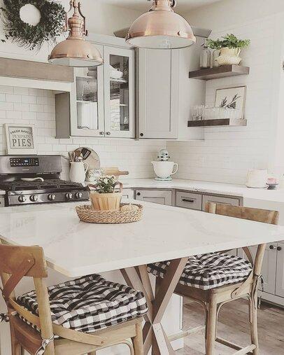 Cottage Country Kitchen Design