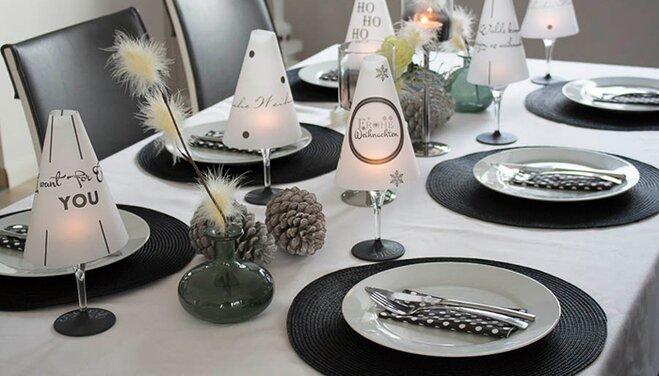 deko idee weihnachten in schwarz wei. Black Bedroom Furniture Sets. Home Design Ideas
