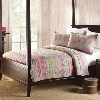 1977 Dry Goods Marion Quilt  Size: King