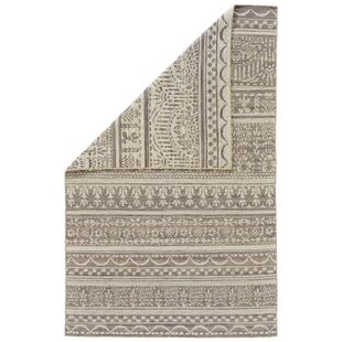 Find a Reiber Hand-Woven Wool Gray/White Area Rug By Bloomsbury Market