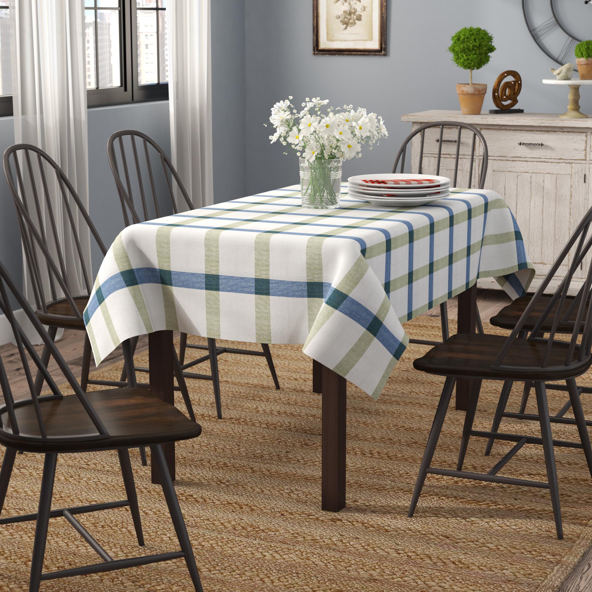 Tablecloths & Table Linens