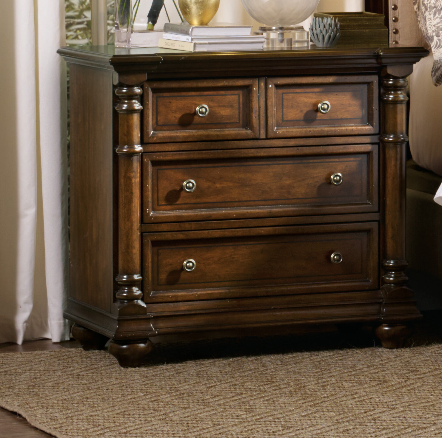 Hooker Furniture Leesburg 3 Drawer Bacheloru0027s Chest U0026 Reviews | Wayfair