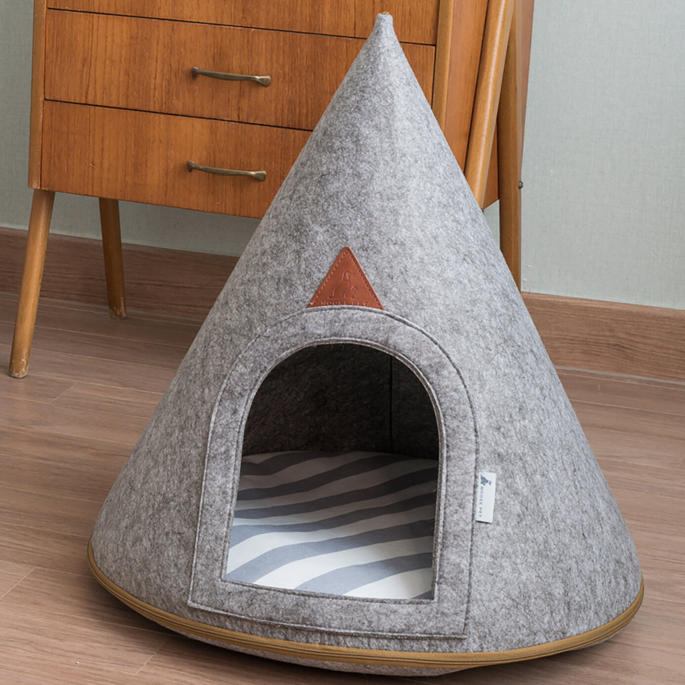 Boissonneault Felt Pet Cave Lucy Hooded Dog Bed