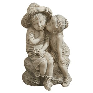 Kissing Kids Statue