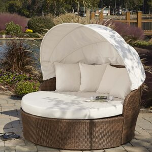 Key Biscayne Daybed With Cushions