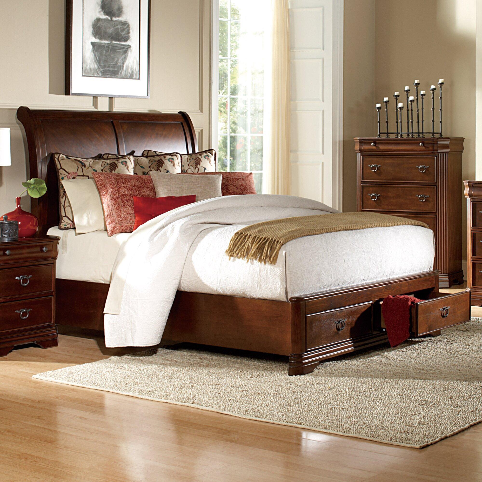 Woodhaven Hill Karla Queen Platform Customizable Bedroom Set ...