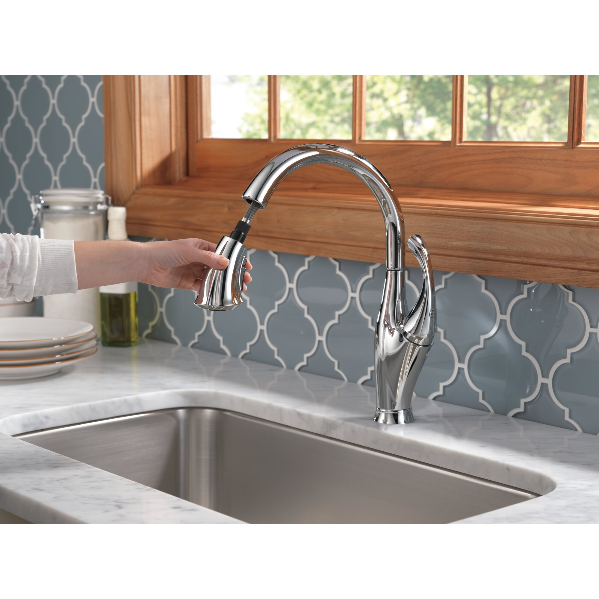 delta addison touchless single handle standard kitchen