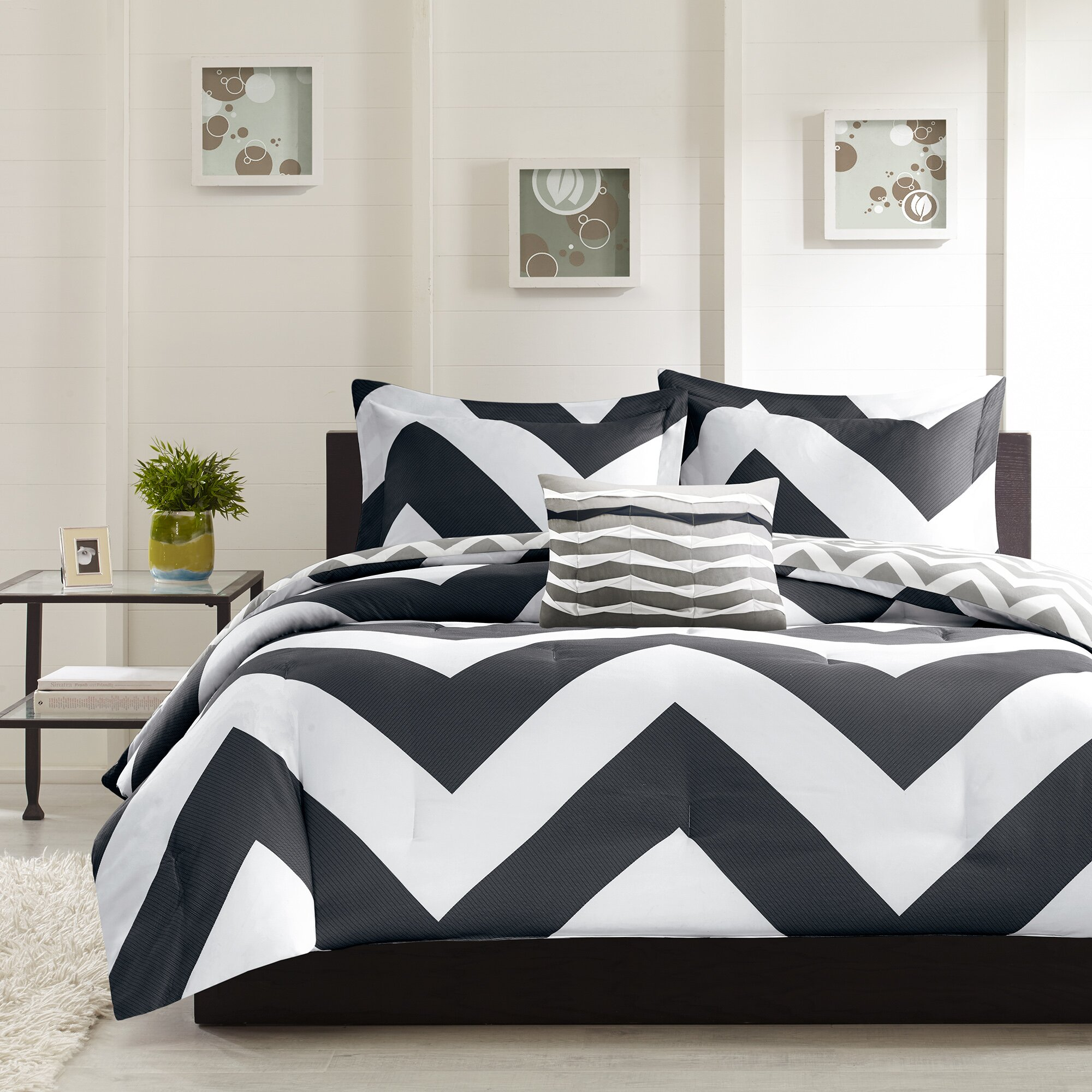 Bed sheet set black and white - Libra Reversible Comforter Set