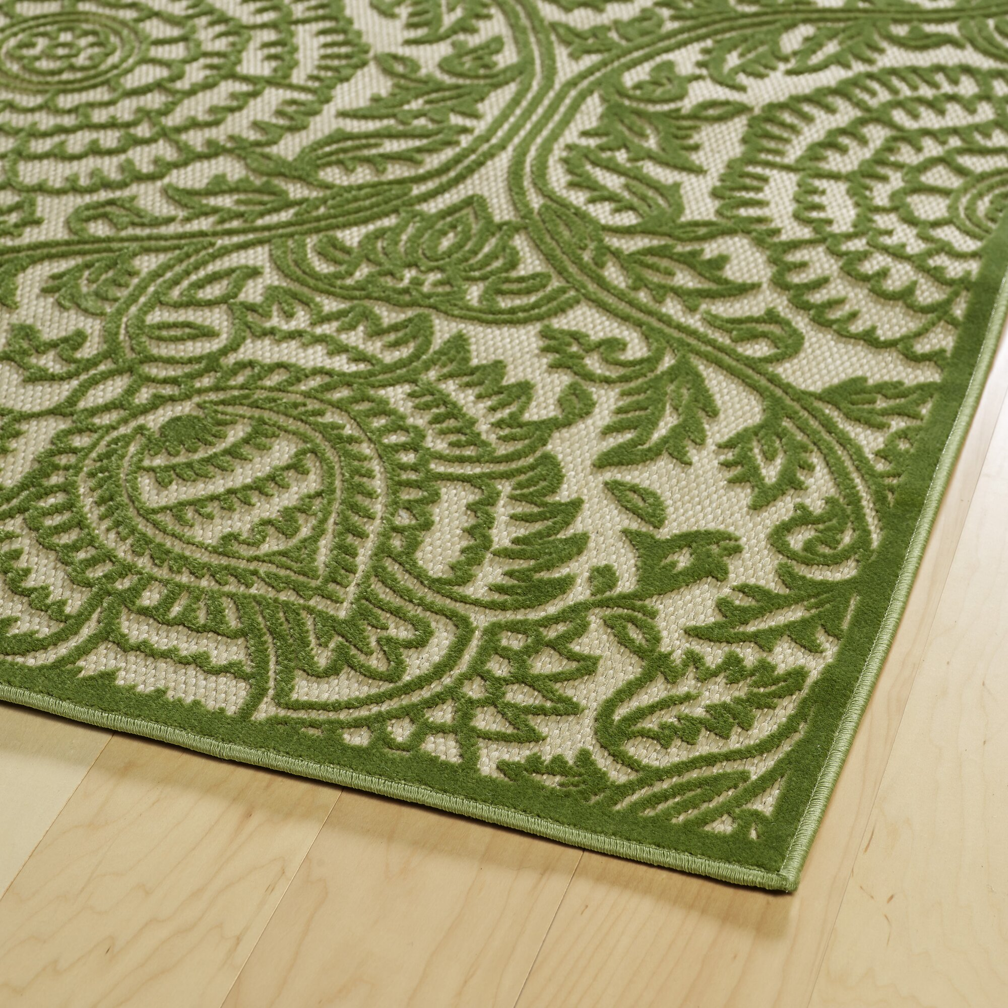 Charlton Home Covedale Hand-Woven Green Indoor/Outdoor