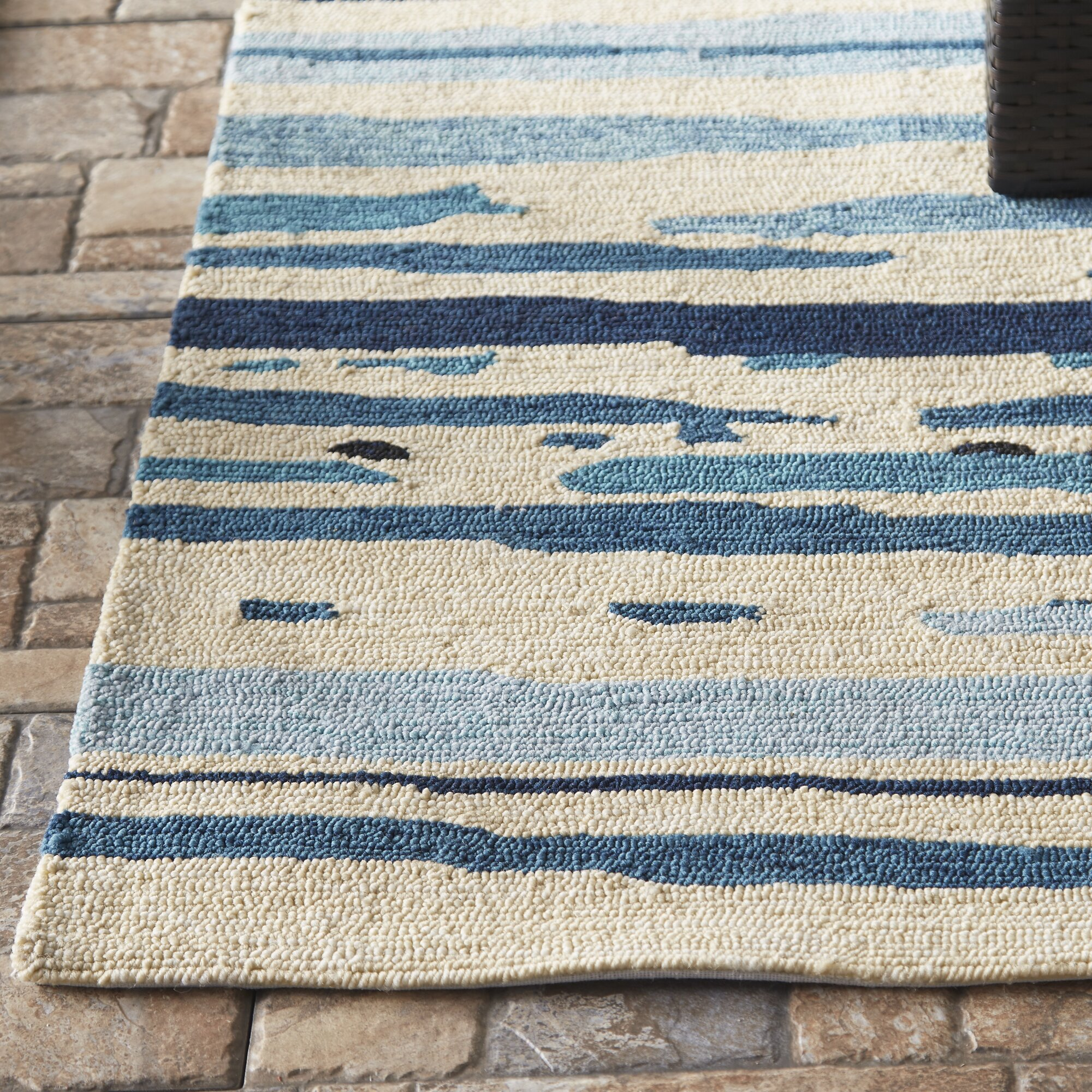 Angelina Blue/Green Abstract Indoor/Outdoor Area Rug