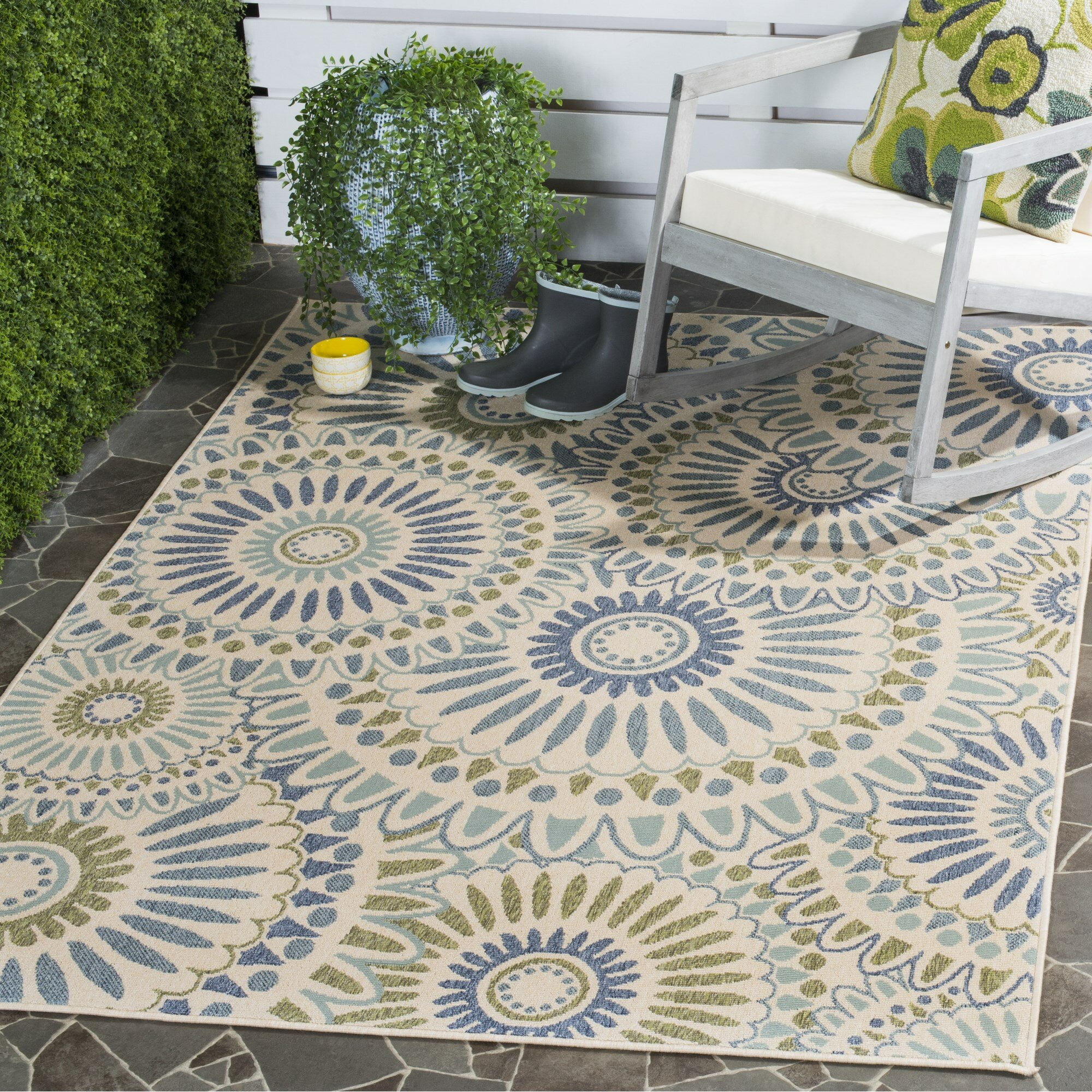 Caroline indoor outdoor rug in green reviews birch lane for Indoor outdoor carpet green