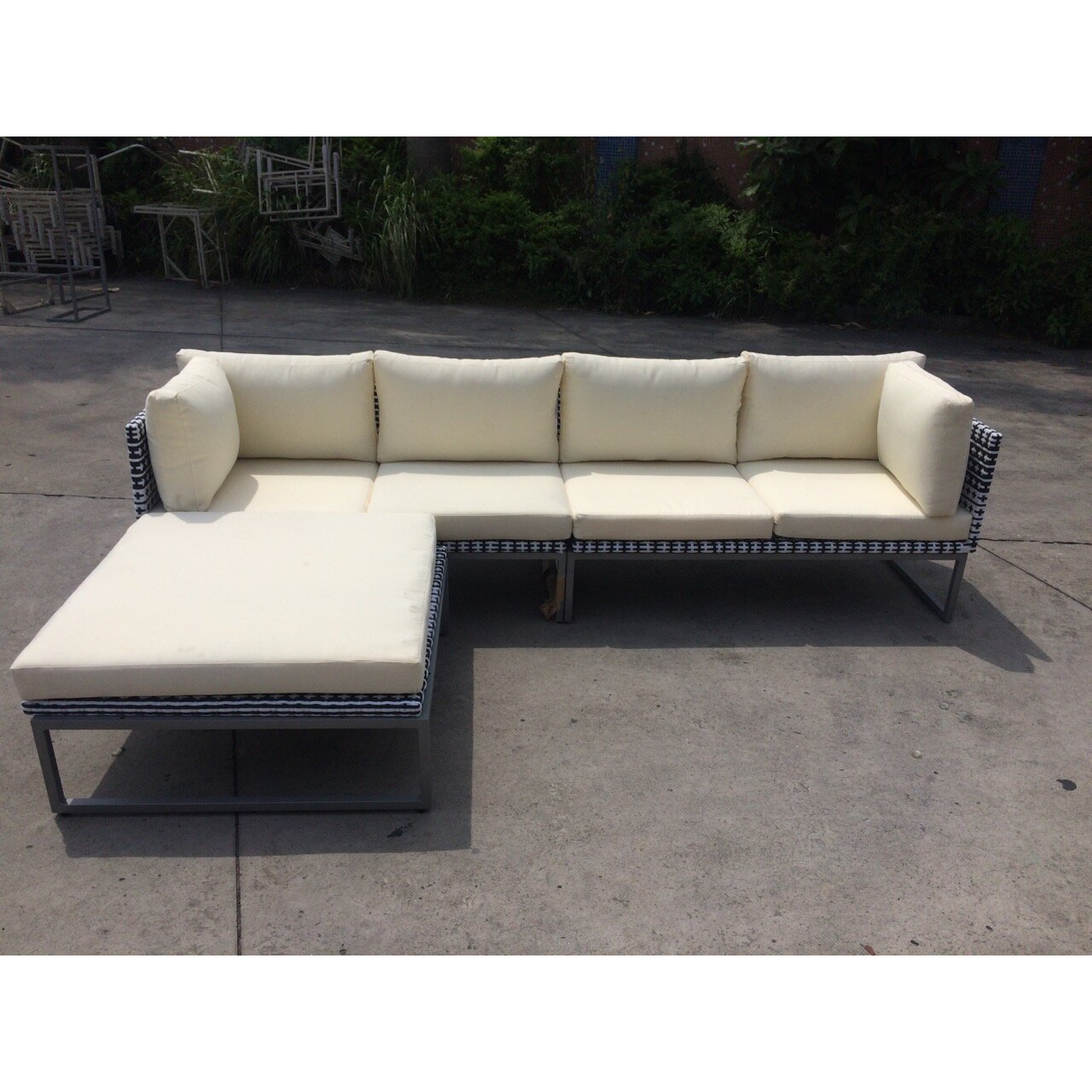 SignatureRattan KQ Maui Deep Seating Sofa With Cushions