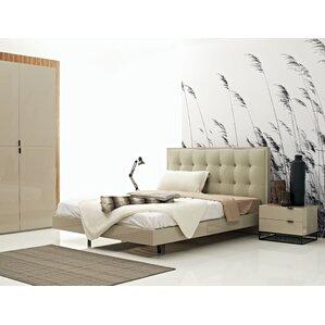 Devitto Queen Platform Customizable Bedroom Set