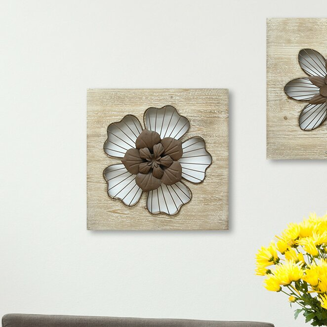 Stratton home decor rustic flower wall d cor reviews for Wayfair home decor canada