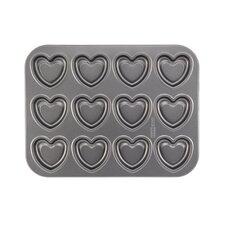 Non-Stick 37.81 cm Carbon Steel Heart Cookie Pan