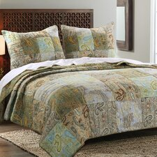 Paisley Dream Reversible Quilt Set