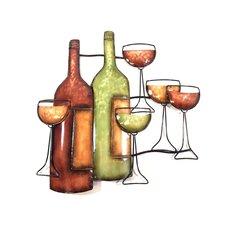 Wanddekoration Weinflaschen mit Gläsern