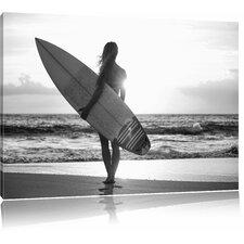 """Leinwandbild """"Surferin vor Sonnenuntergang"""", Fotodruck"""