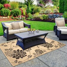 Jaya Stencil Chrysanthemum Beige Indoor/Outdoor Area Rug