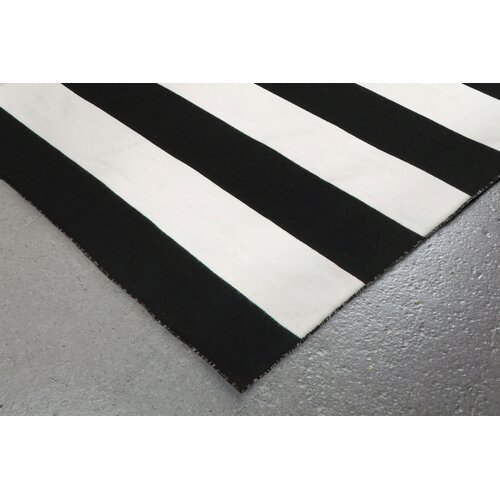 Black And White Rug Outdoor: Buske Hand-Woven Black/White Indoor/Outdoor Area Rug