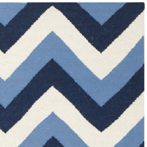 Safavieh Dhurries Navy / Light Blue Chevron Area Rug