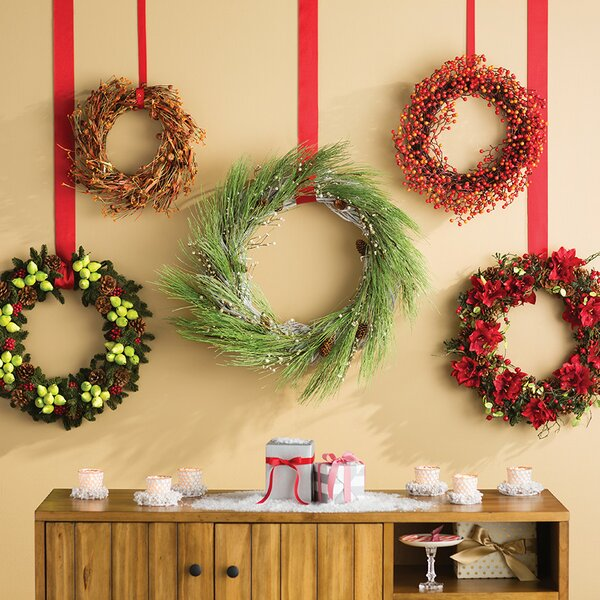 Christmas Wreaths And Christmas Garlands You'll Love