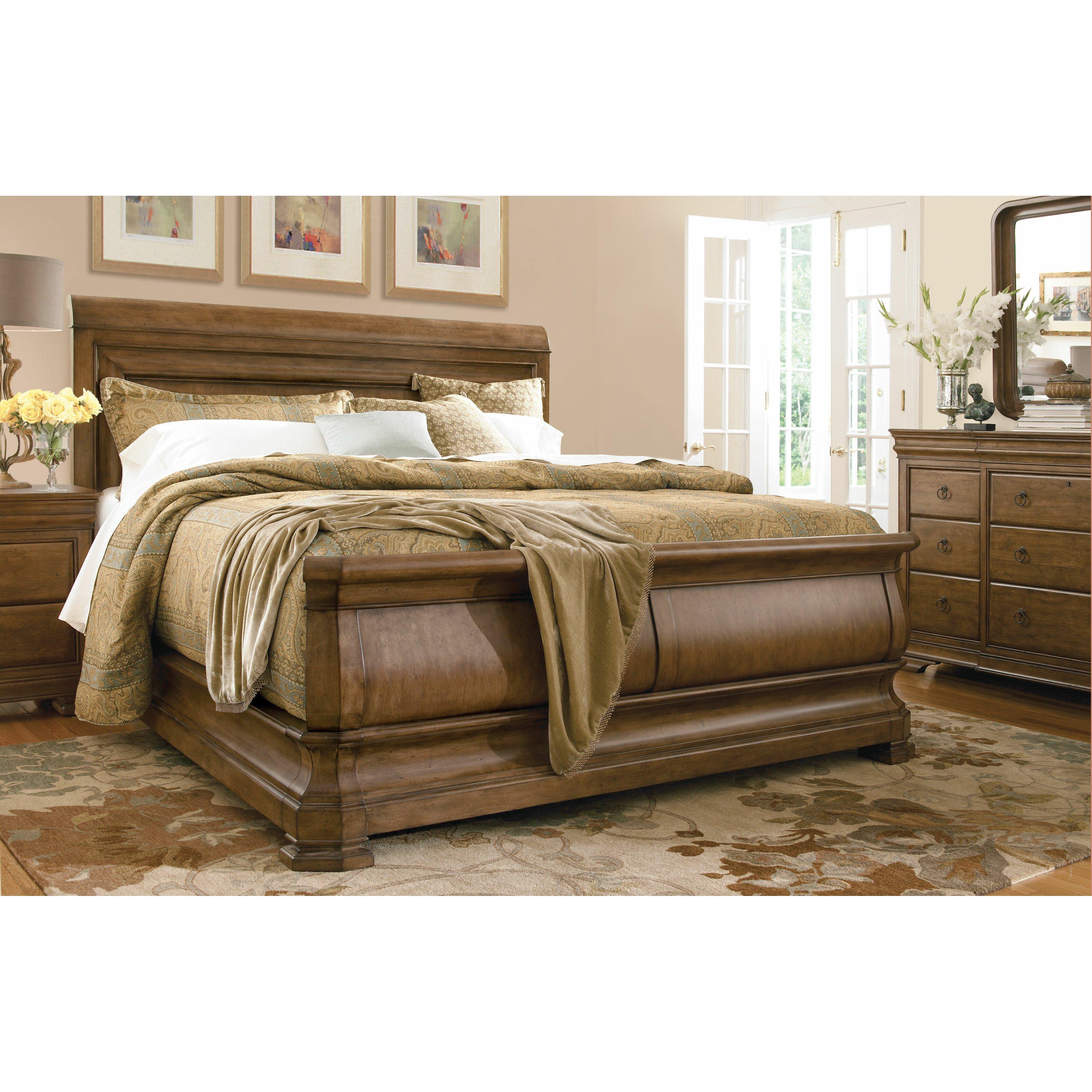 Universal Furniture New Lou Sleigh Customizable Bedroom