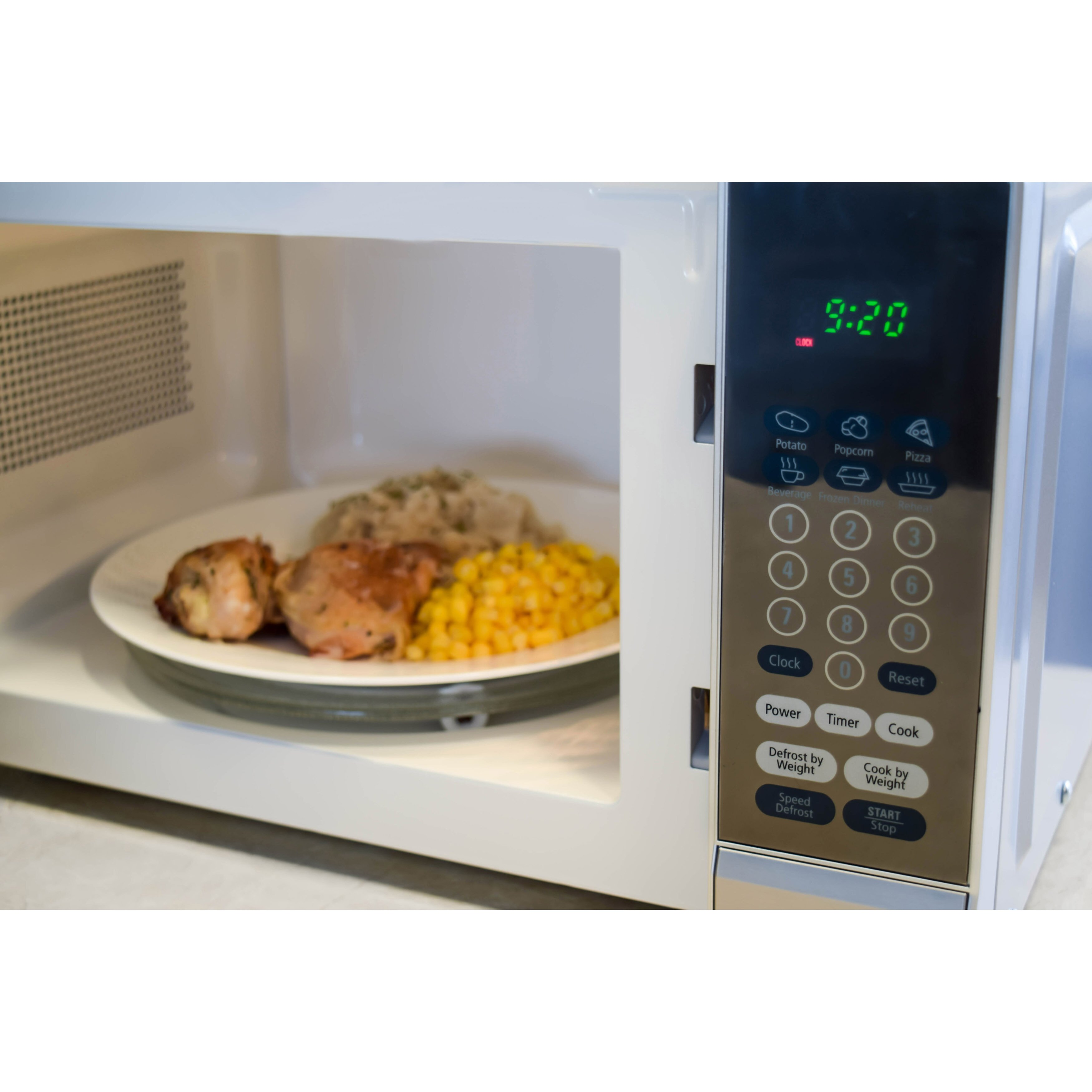 Countertop Microwave Sale Canada : Oster 17.8