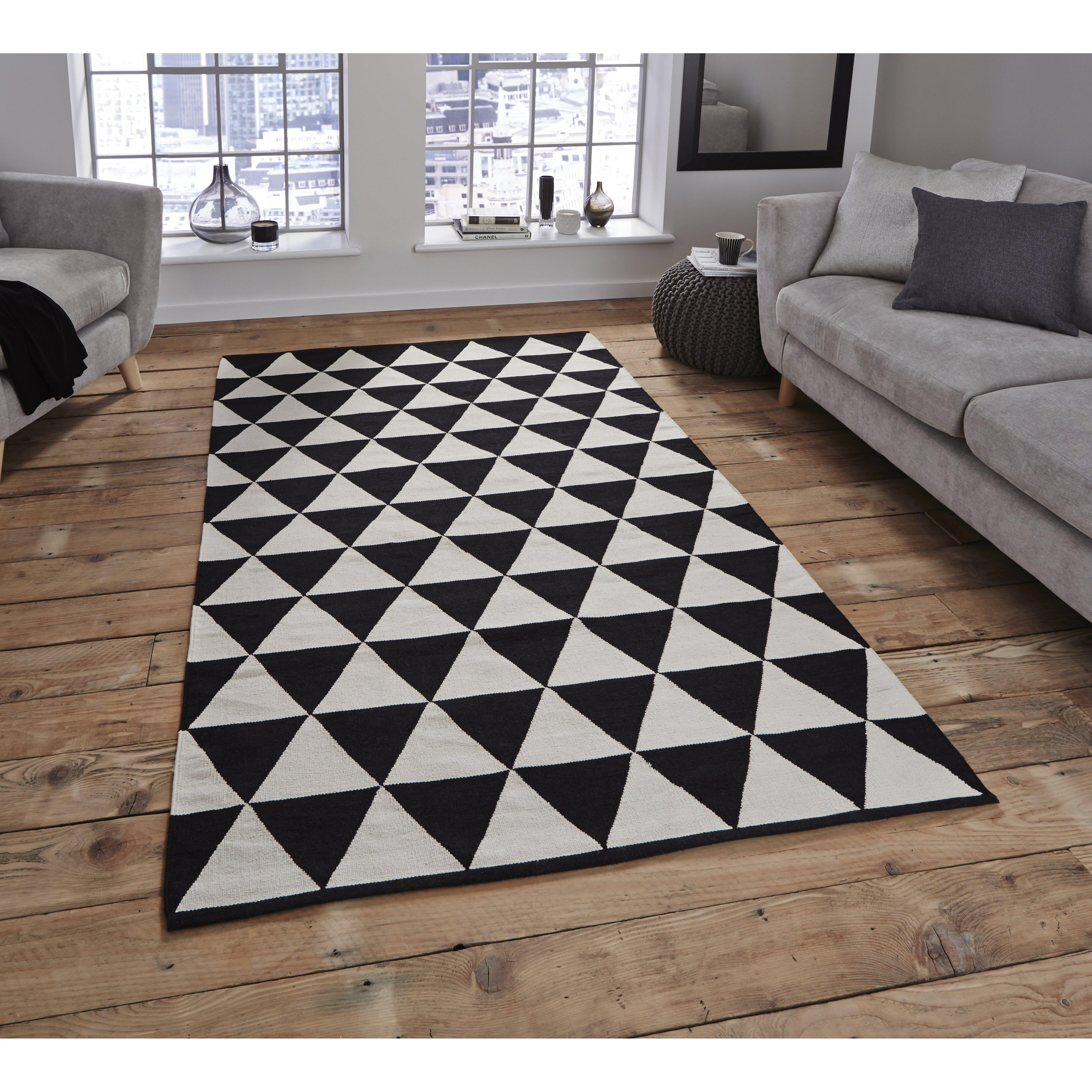 think rugs manhattan black white area rug reviews. Black Bedroom Furniture Sets. Home Design Ideas