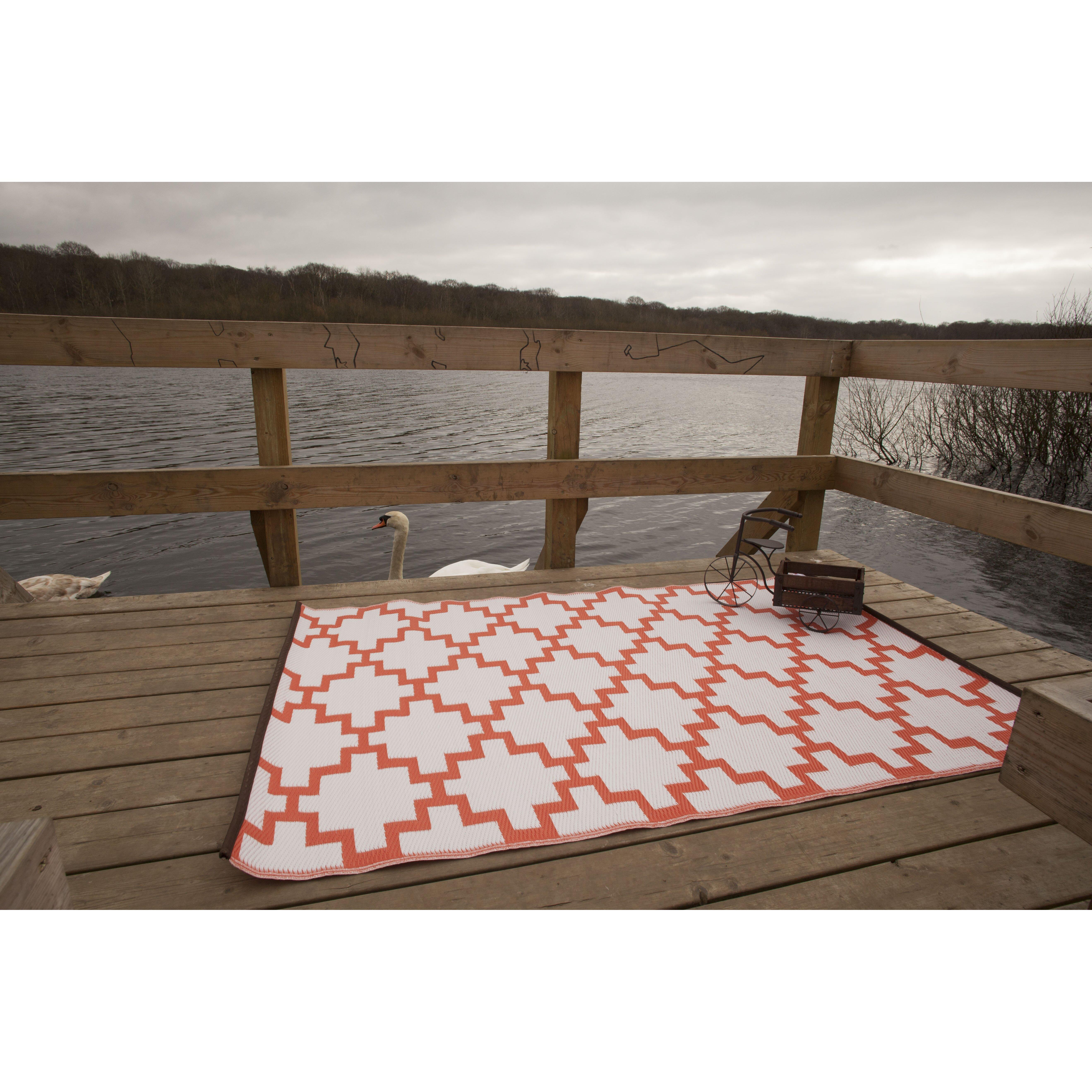 Green decore solitude geometric orange indoor outdoor area for Indoor outdoor rugs uk