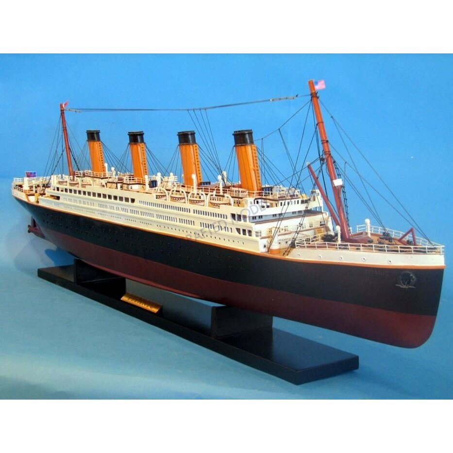 Handcrafted Nautical Decor 40quot RMS Titanic Model Ship