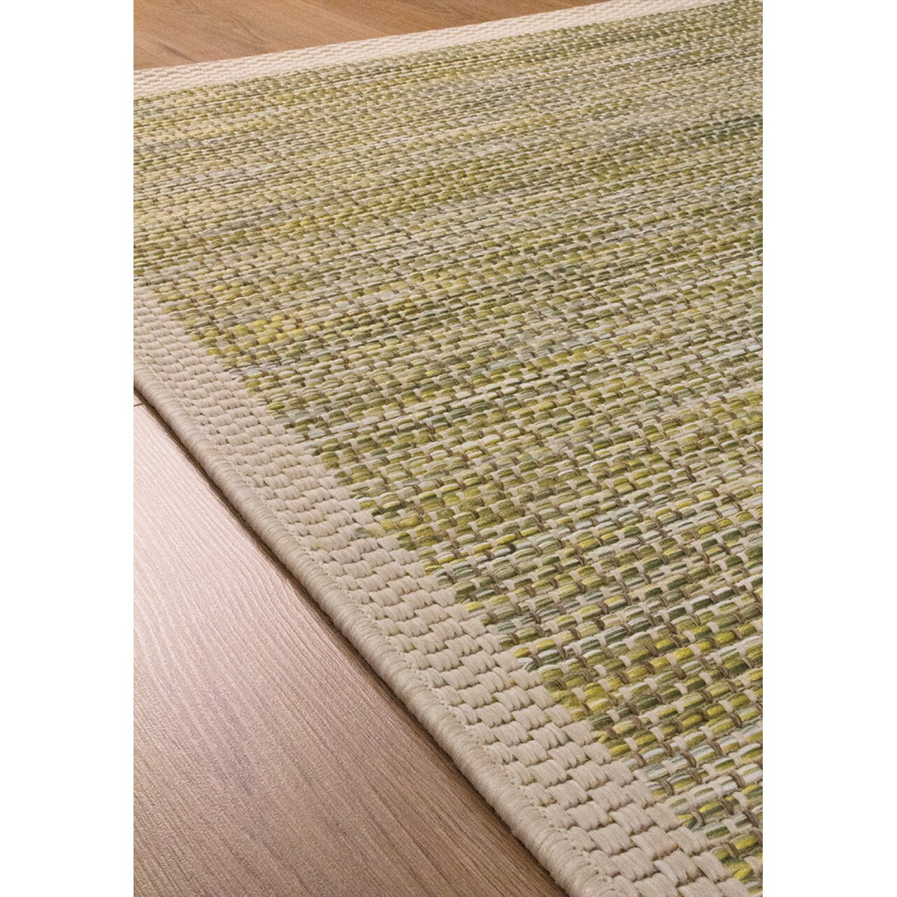 Kalora trellis border flatweave green beige indoor outdoor for Indoor outdoor carpet green