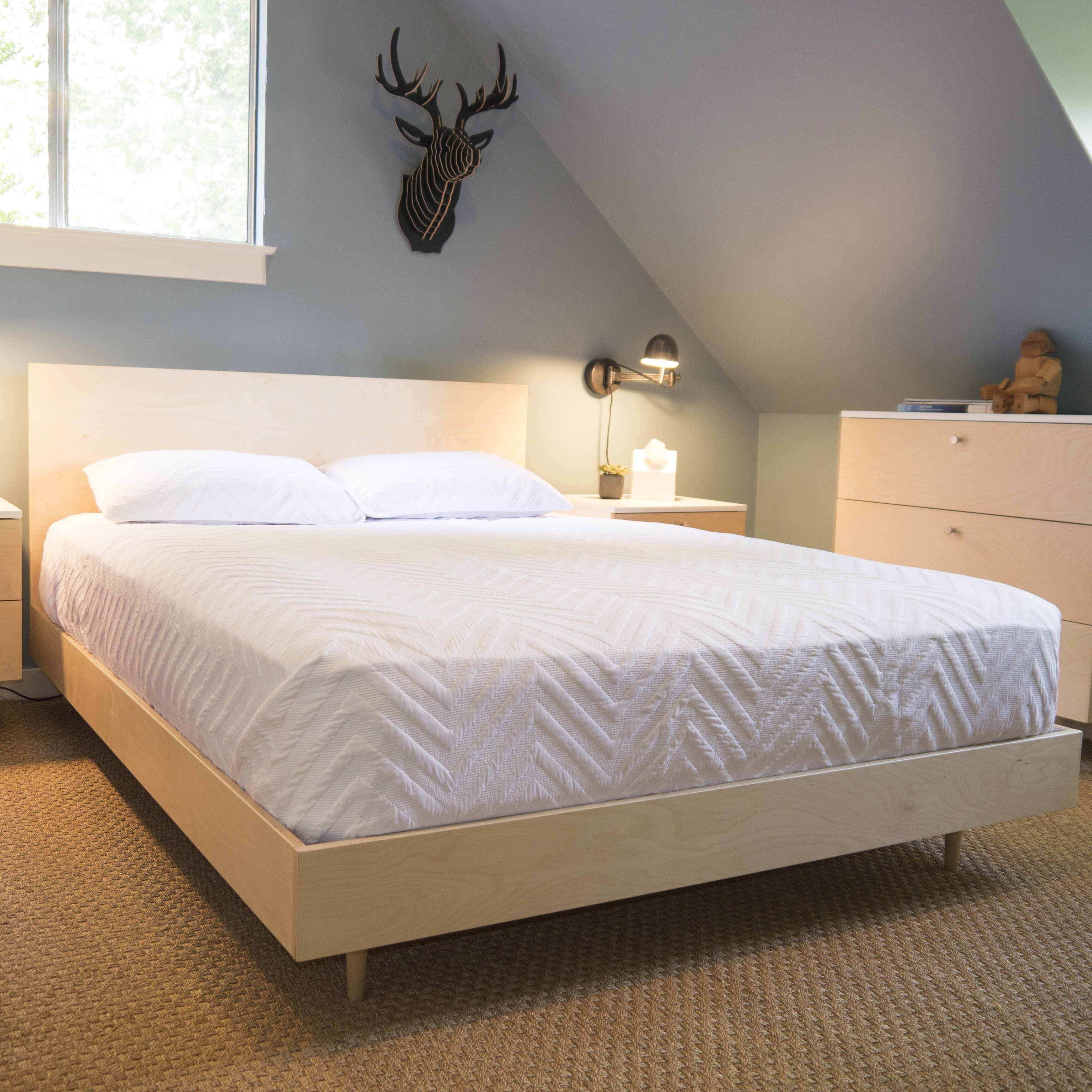 furniture bedroom furniture queen beds spot on square sku sos1105