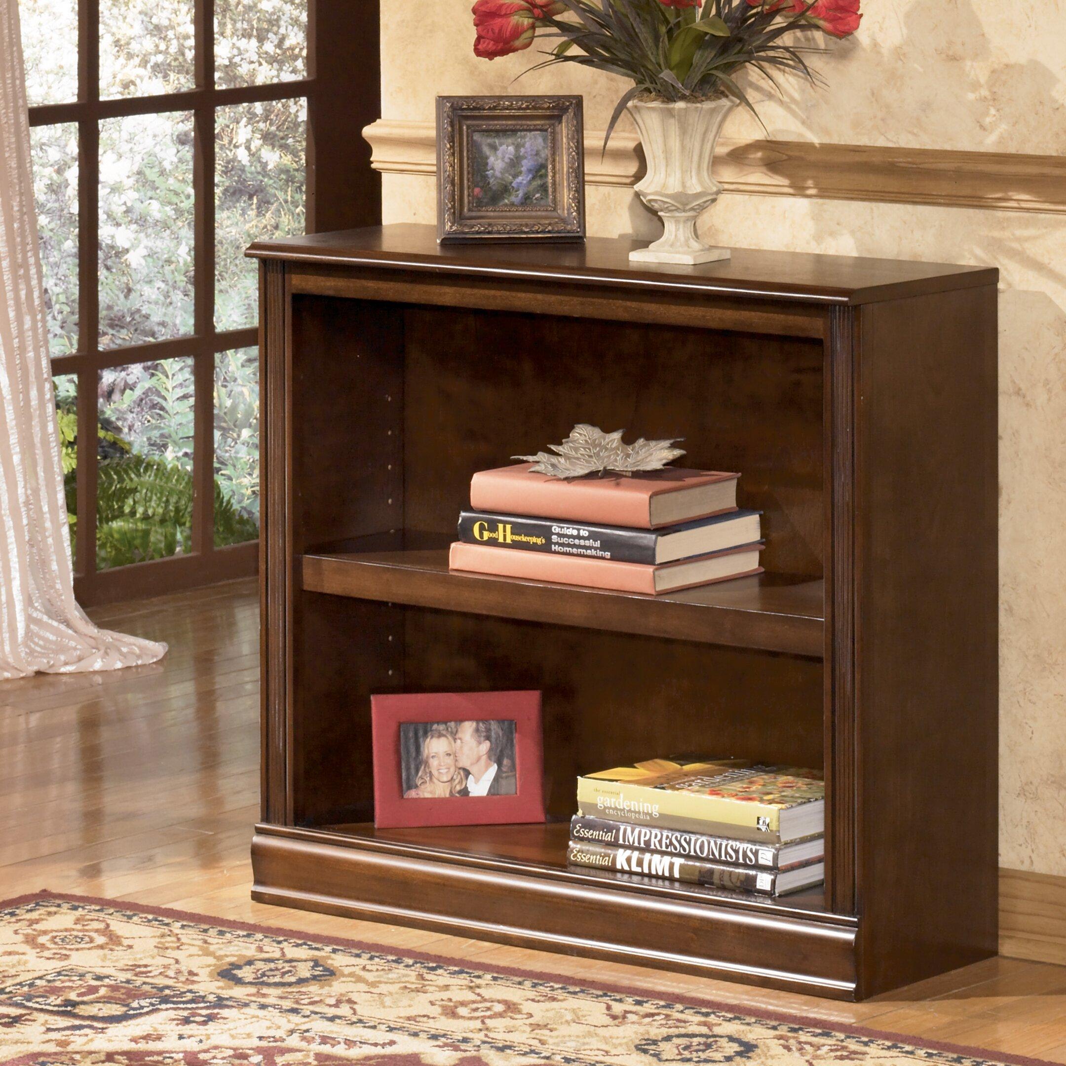 Комплект книжных стеллажей ashley furniture h527-15-16-17.