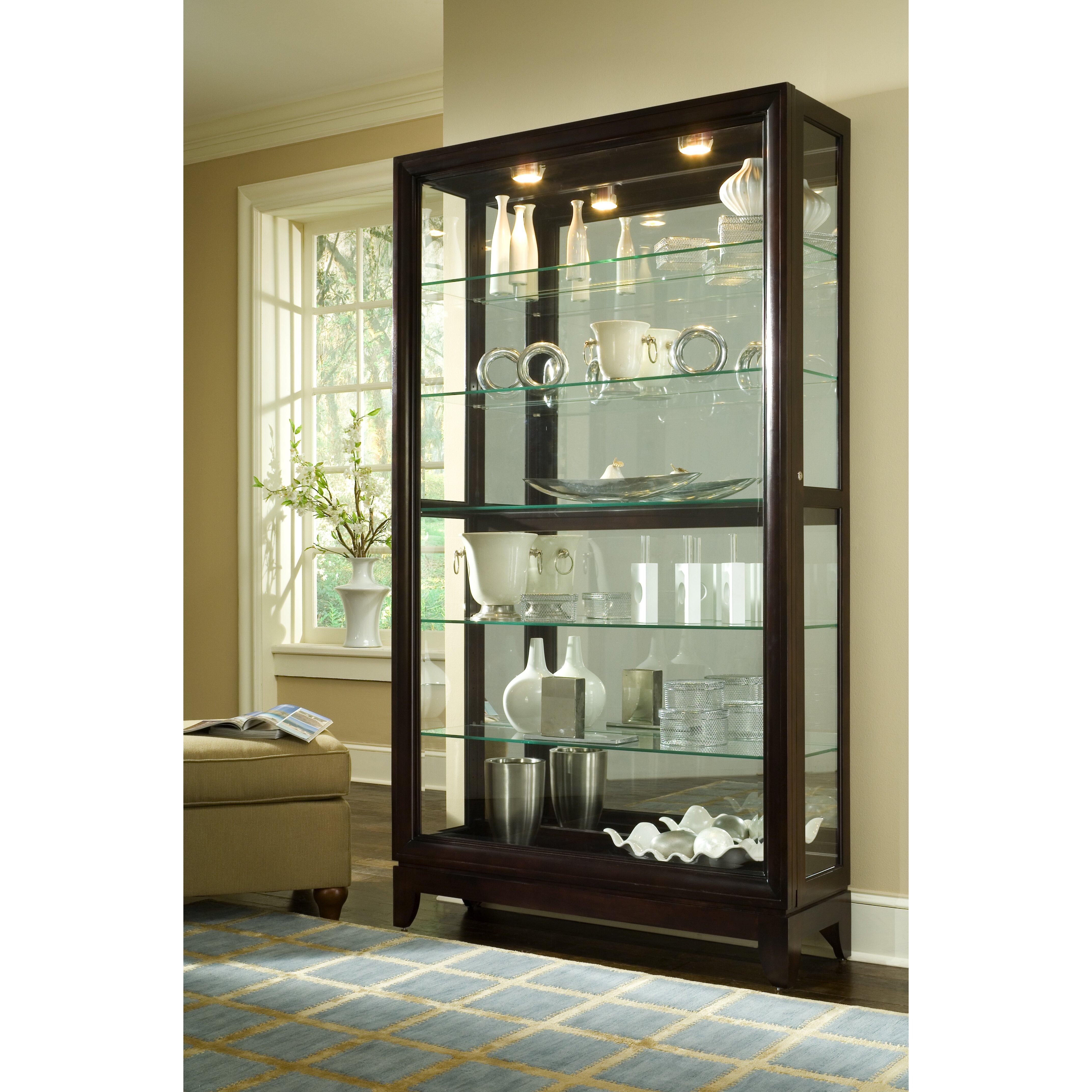 Pulaski Keepsakes Standard Curio Cabinet