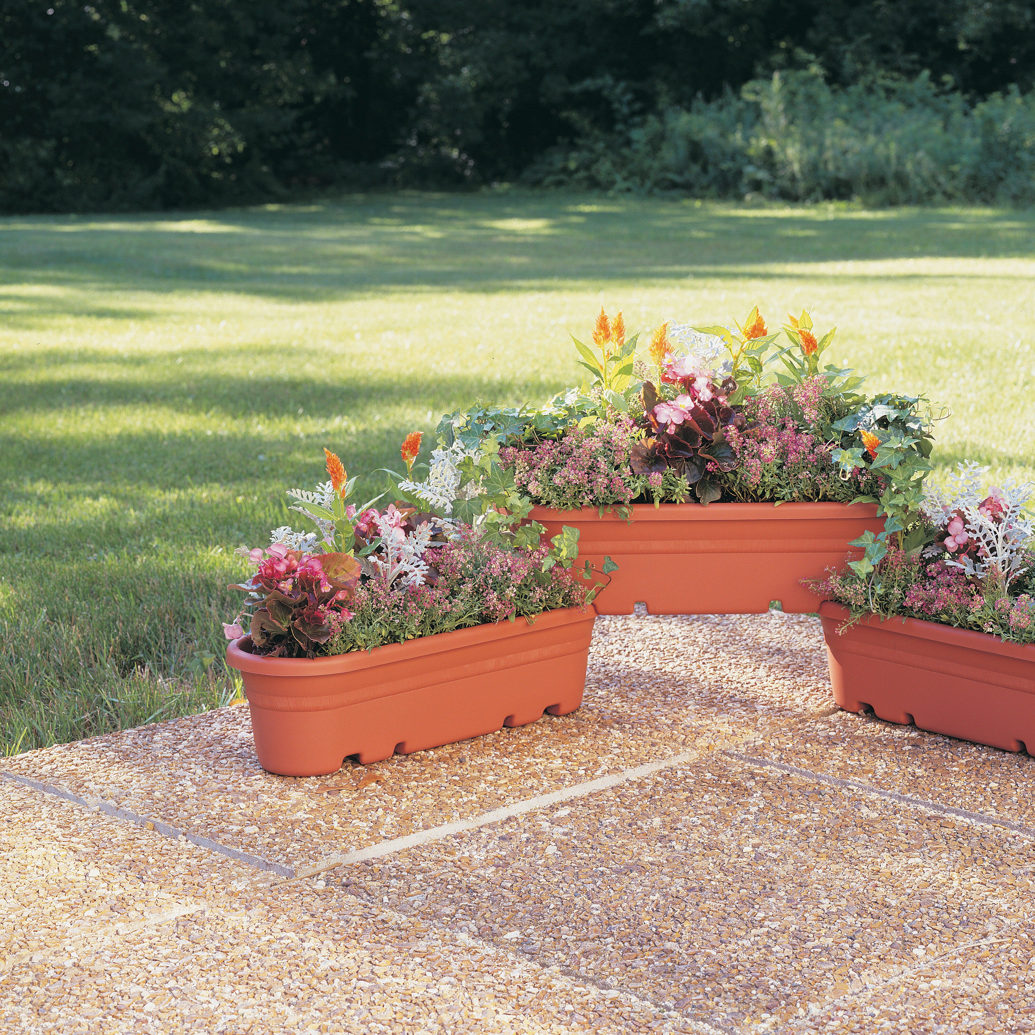 Three posts griswold plastic planter box for Wayfair garden box