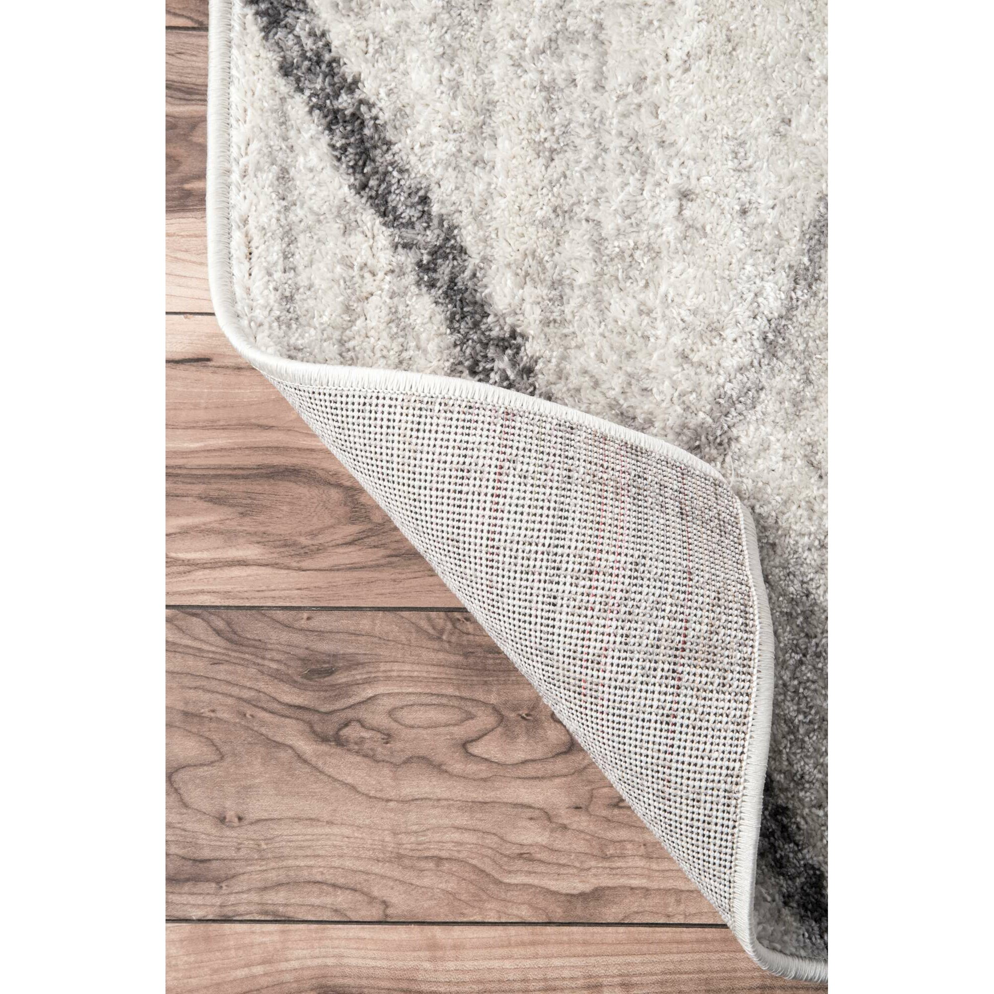 mercury row azha broken lattice white/light gray area rug