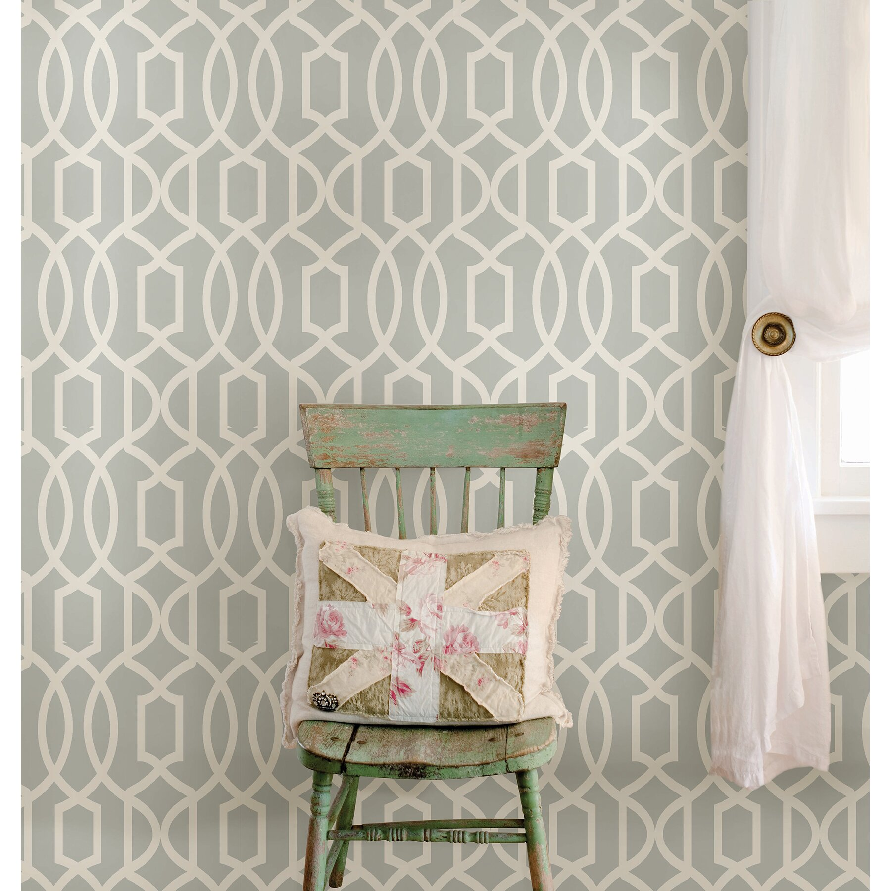 How many feet are in a roll of wallpaper?