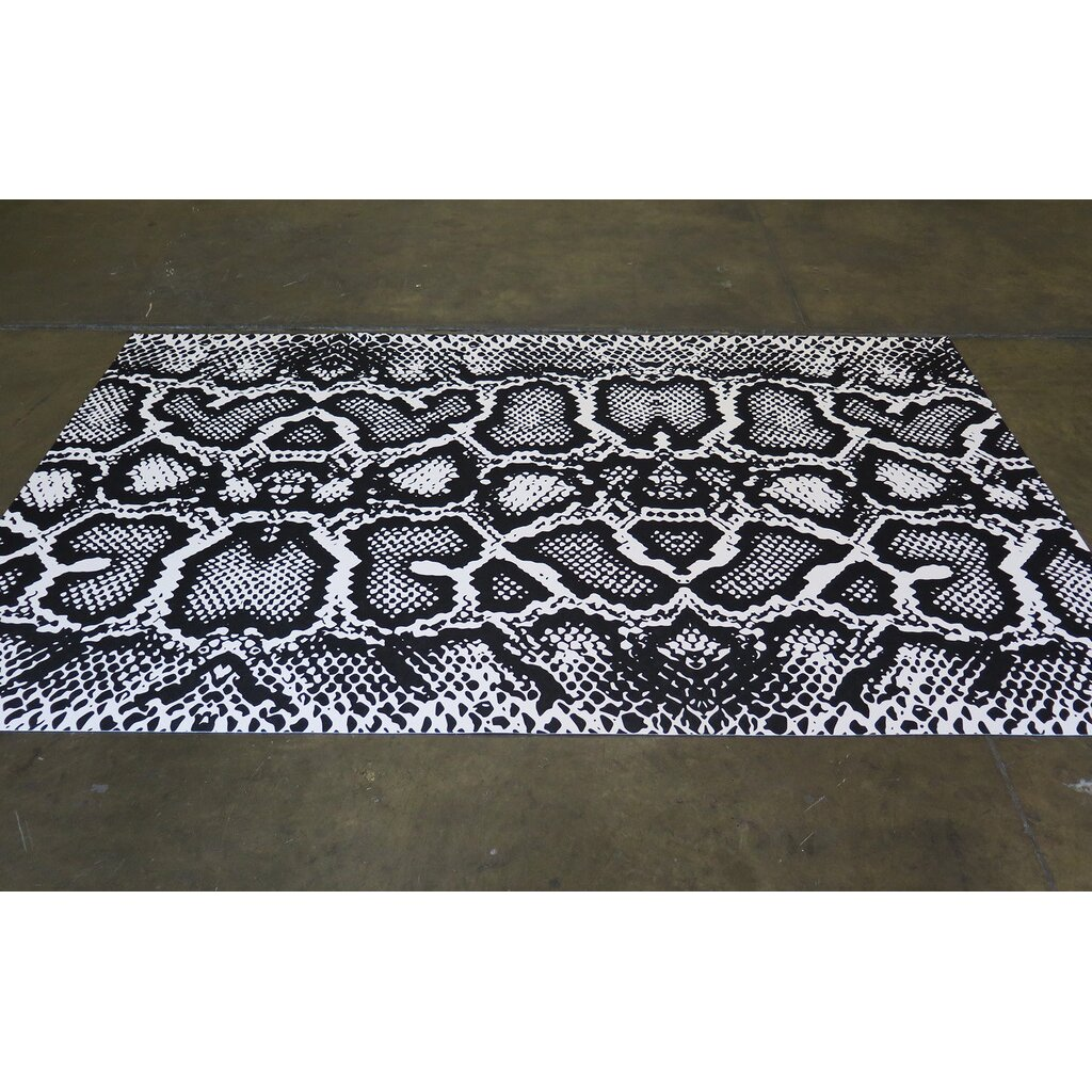 Black And White Rug Outdoor: Arthouse Innovations Black/White Indoor/Outdoor Area Rug