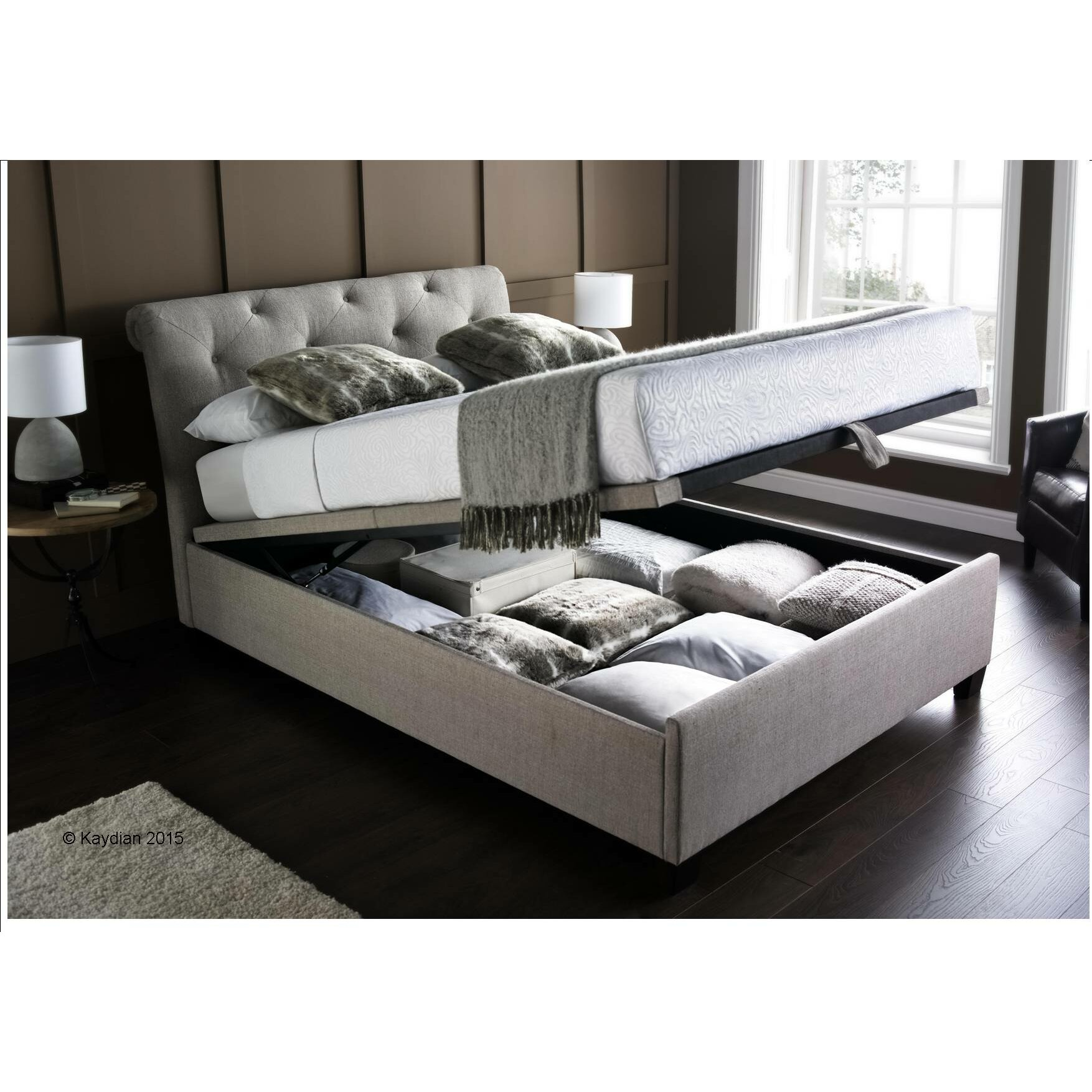 Home loft concept anchuelo upholstered ottoman bed for Concept beds