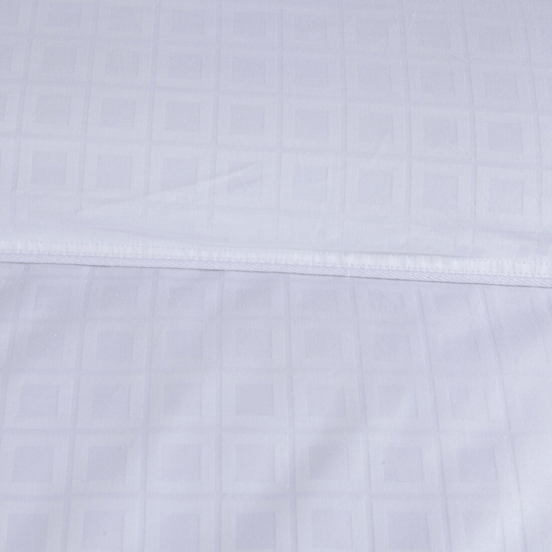 Anew Edit Lightweight Down Alternative Comforter Duvet