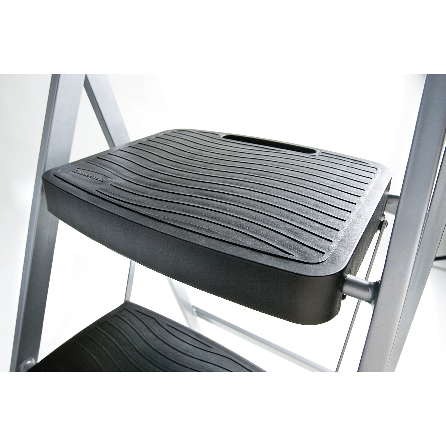 Rubbermaid 2 Step Steel Folding Step Stool With 200 Lb