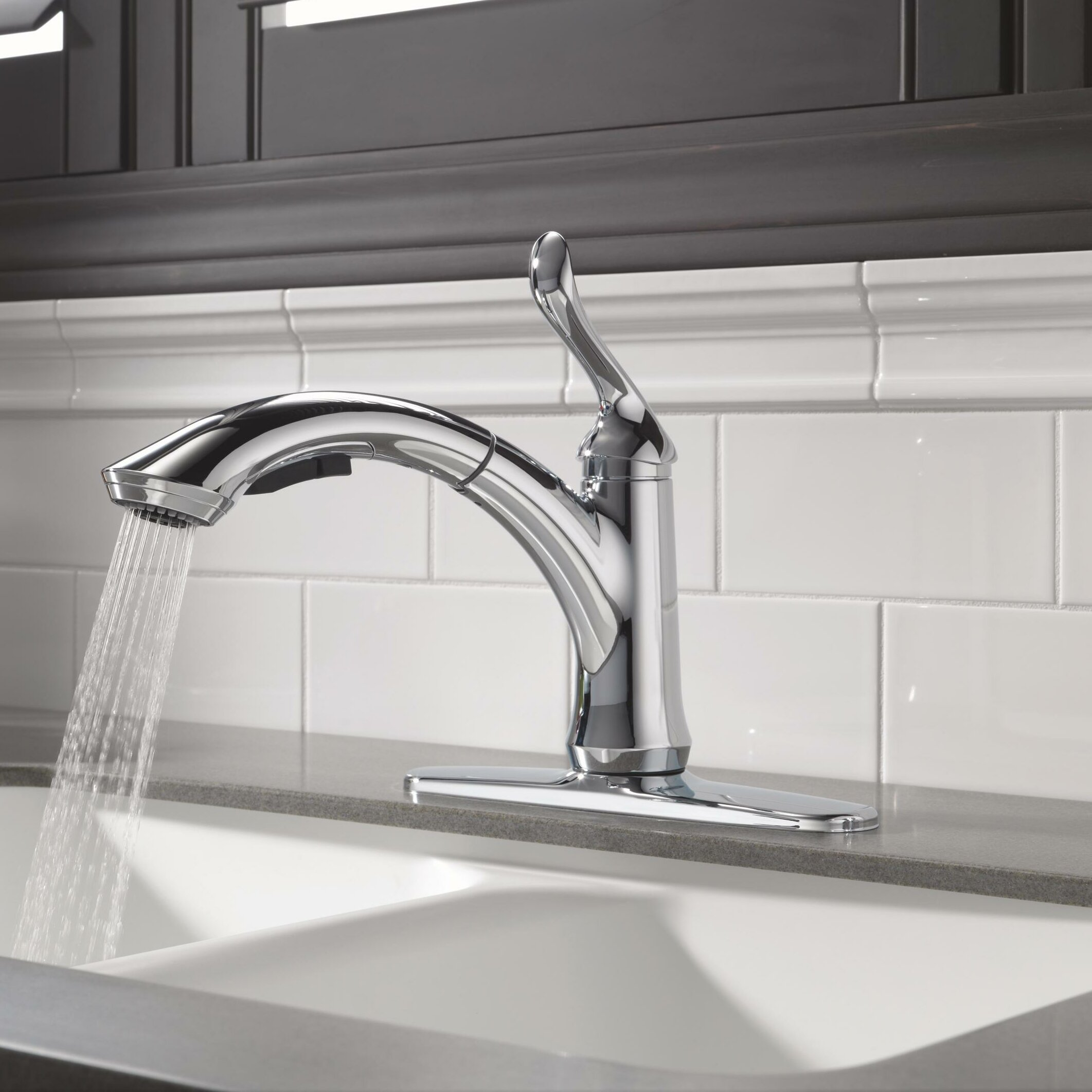 Linden single handle kitchen faucet
